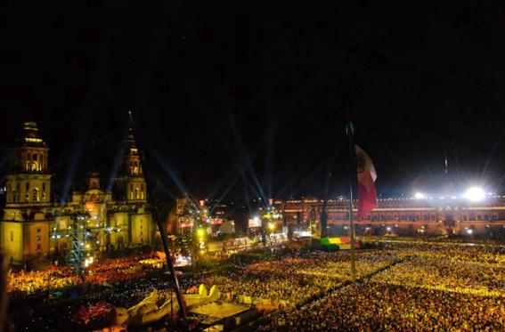 el coloso figura de celebracion del bicentenario de la independencia de mexico 10