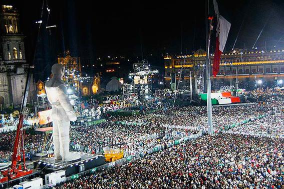 el coloso figura de celebracion del bicentenario de la independencia de mexico 4