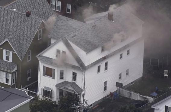 explosiones incendios causan panico en massachusetts 1