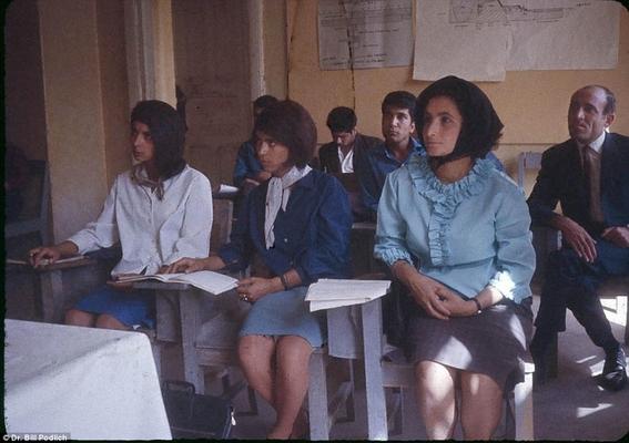 fotos de mujeres en afganistan antes de los talibanes 6