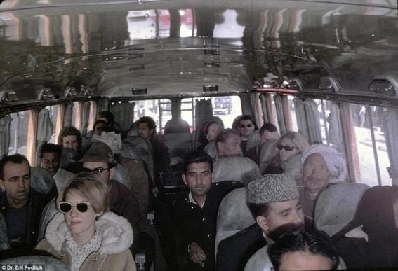 fotos de mujeres en afganistan antes de los talibanes 11
