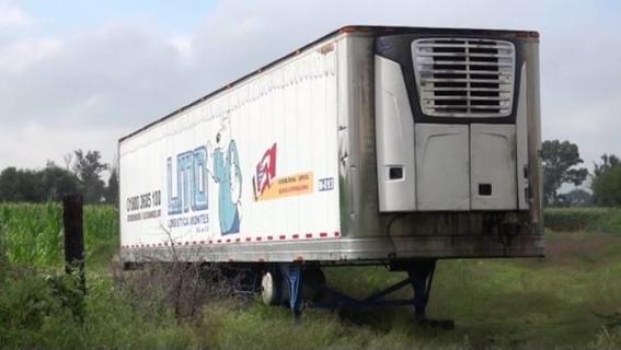 trailer con cuerpos abandonados en jalisco 1