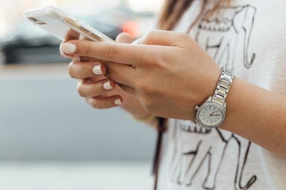 feministas acusan a apple de lanzar un iphone machista 4