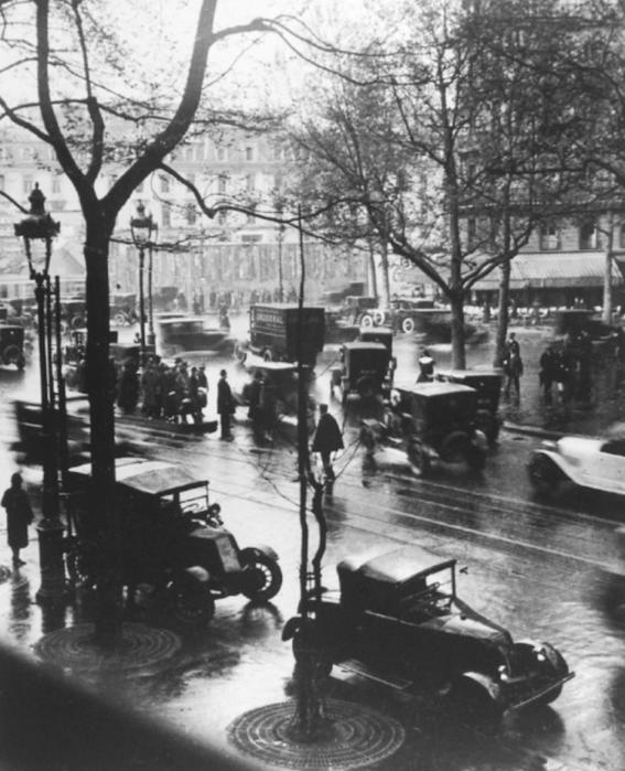 photos of paris in the 20s 20
