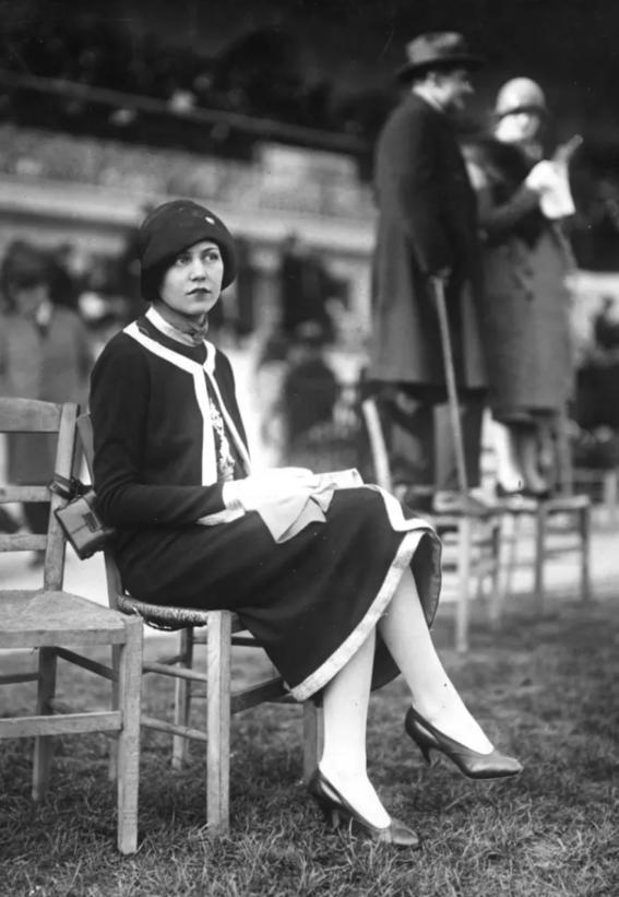 photos of paris in the 20s 17