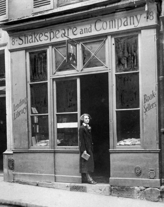 photos of paris in the 20s 10