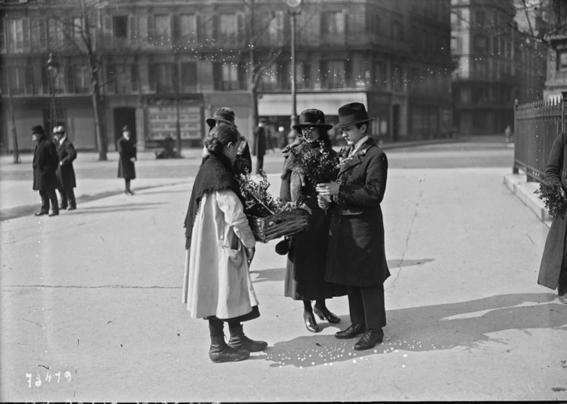 photos of paris in the 20s 3