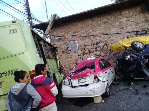 choque de camion deja heridos en cdmx 1