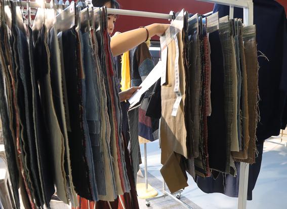 tendencia de ropa hecha a base de pina 2