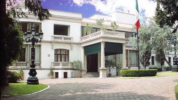 descarta amlo remodelar palacio nacional 2