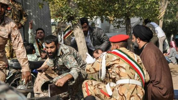 atentado terrorista durante desfile militar en iran 2