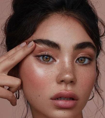enfermedades que causa el maquillaje 1