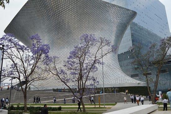 museos que abren en lunes 3