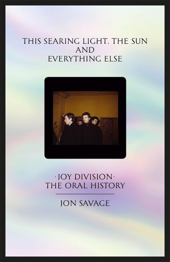 lanzaran libro sobre la historia de ian curtis y joy division 2