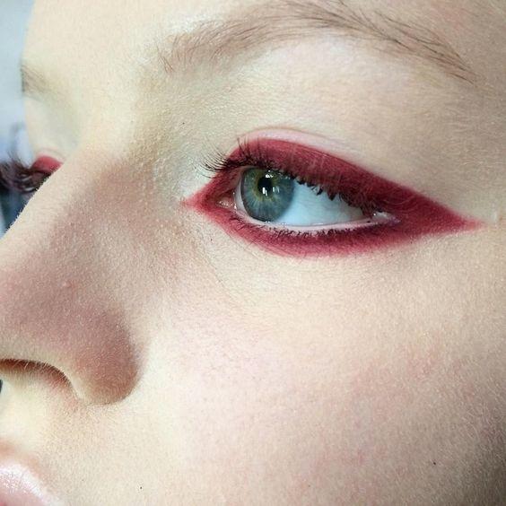 formas de delinear tus ojos para cada ocasion 23