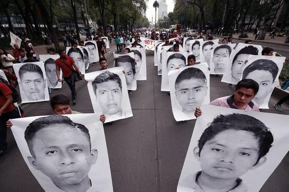 amlo se reune con padres de 43 normalistas ayotzinapa 1