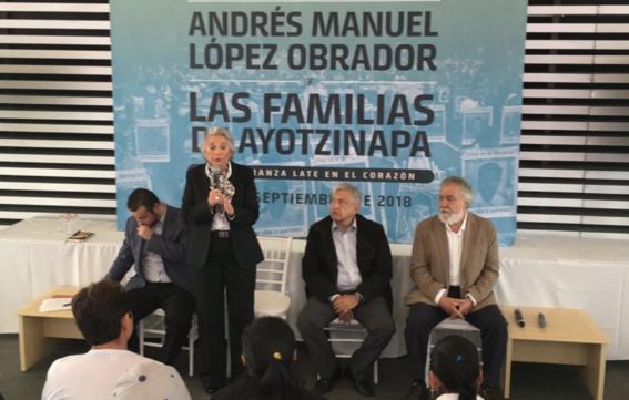 amlo se reune con padres de 43 normalistas ayotzinapa 3