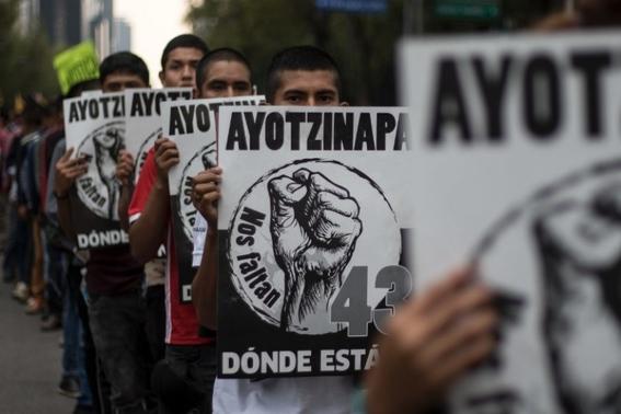 marchan a 4 anos de ayotzinapa 2