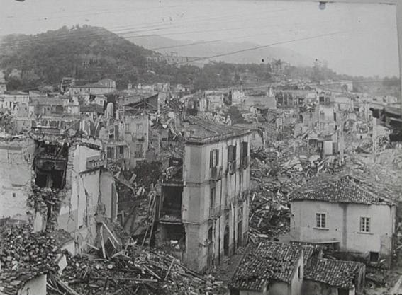 los tsunamis mas mortiferos de la historia 8