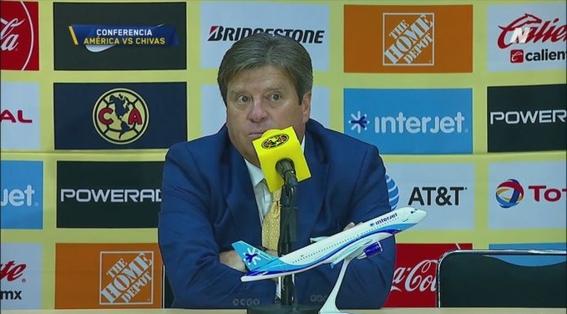 miguel herrera culpa a mateus uribe del empate ante chivas 1
