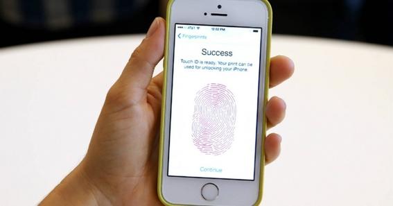 iphone son facil de hackeados por siri 2