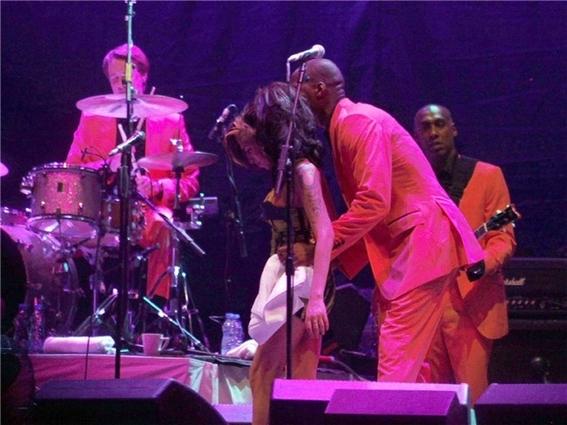 fotos del ultimo concierto de amy winehouse 15