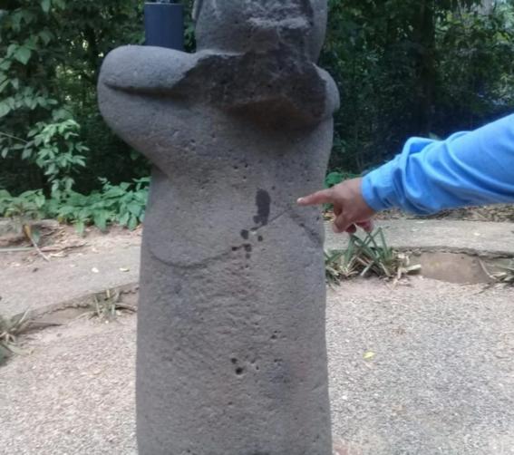 turistas extranjeros manchan piezas arqueologicas en mexico 1