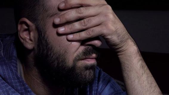 hombre dana su retina por abusar del viagra 2