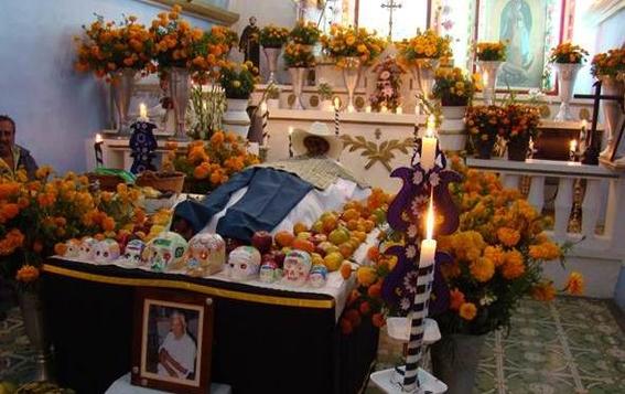 tradiciones extranas del dia de muertos 1