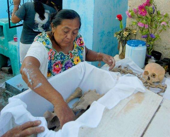 tradiciones extranas del dia de muertos 2
