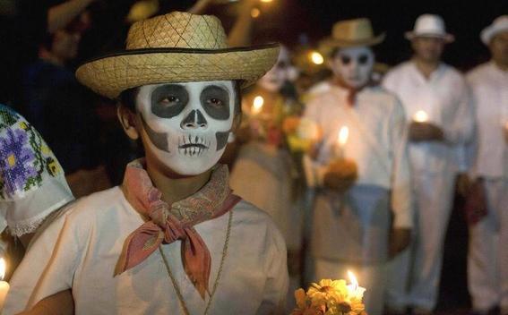tradiciones extranas del dia de muertos 3