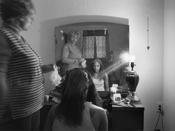 fotografias de mujeres que exploran la maternidad 11