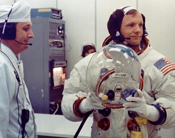 la vida de neil armstrong el primer hombre que piso la luna 4