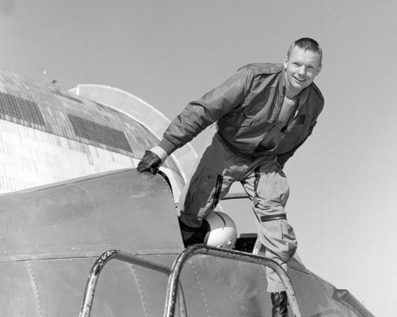 la vida de neil armstrong el primer hombre que piso la luna 2