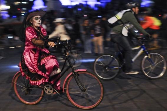 anuncian concurso de disfraces de dia de muertos en paseo ciclista 2