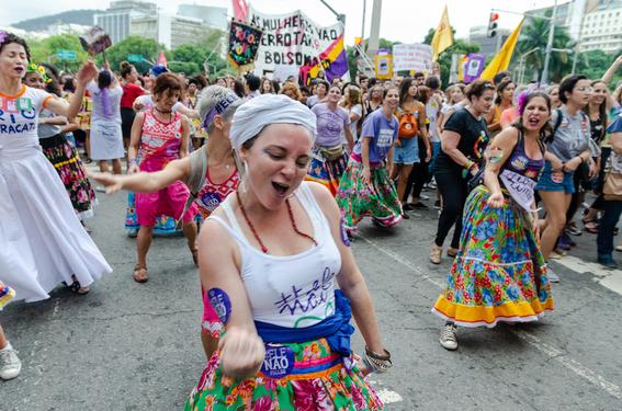porque las mujeres en brasil protestan contra la ultraderecha 3