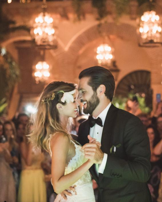 fotos de la boda de stephanie cayo de club de cuervos 4