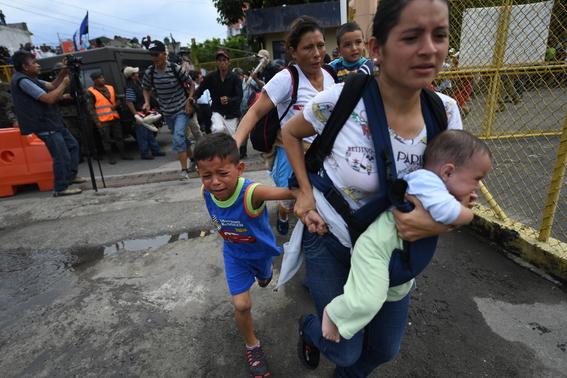 caravana migrante entra a mexico por guatemala 2