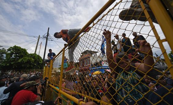 caravana migrante entra a mexico por guatemala 7