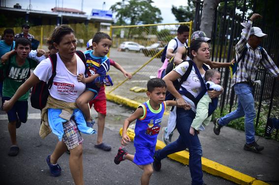 caravana migrante entra a mexico por guatemala 9