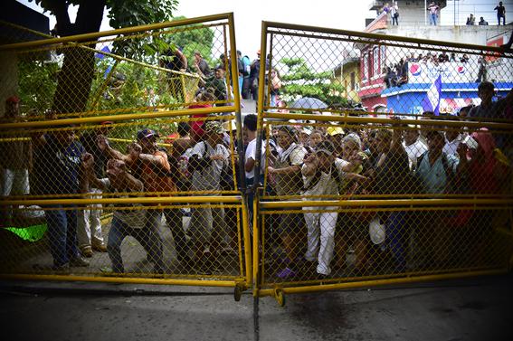 caravana migrante entra a mexico por guatemala 14