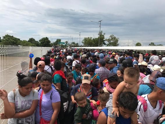 ninos ninas y adolescentes de caravana migrante 1