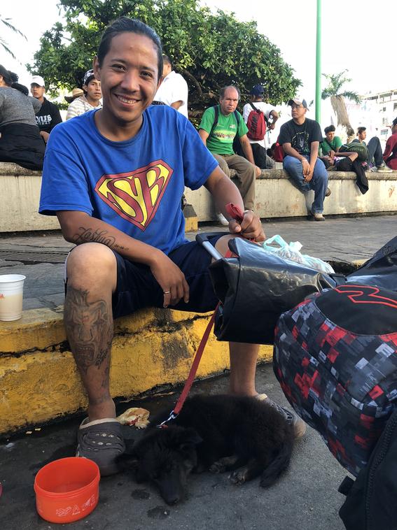 trajes de payaso perro hondurenos buscan sueno americano 1