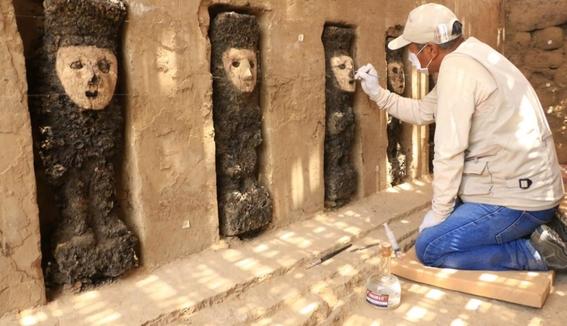 encuentran piezas de madera de mas de 800 anos en peru 3