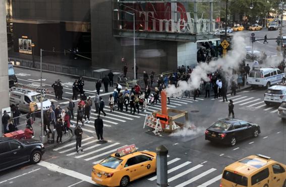 evacuan time warner nueva york por amenaza de bomba 1