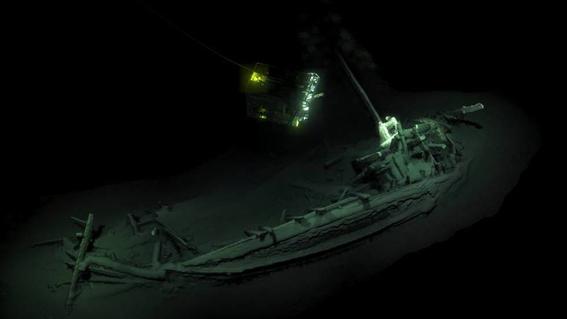 hallan barco intacto en fondo del mar negro 1