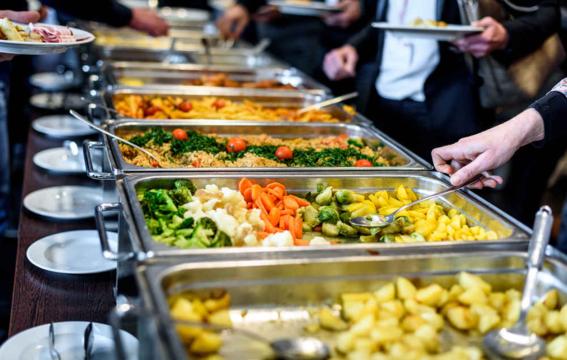 ciencia descubre por que no podemos dejar de comer en buffets 1
