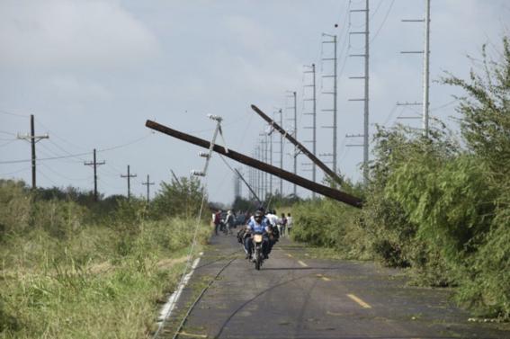 sin luz inundados enfrentan en sinaloa huracan willa 2