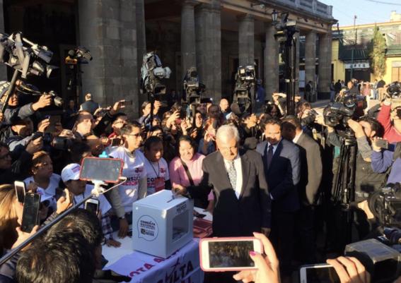 amlo vota en consulta ciudadana naicm 1