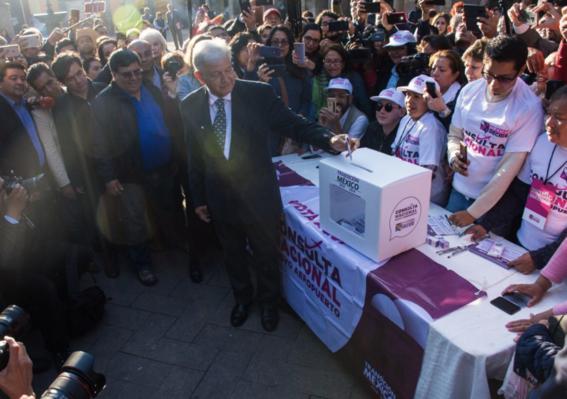 amlo vota en consulta ciudadana naicm 3